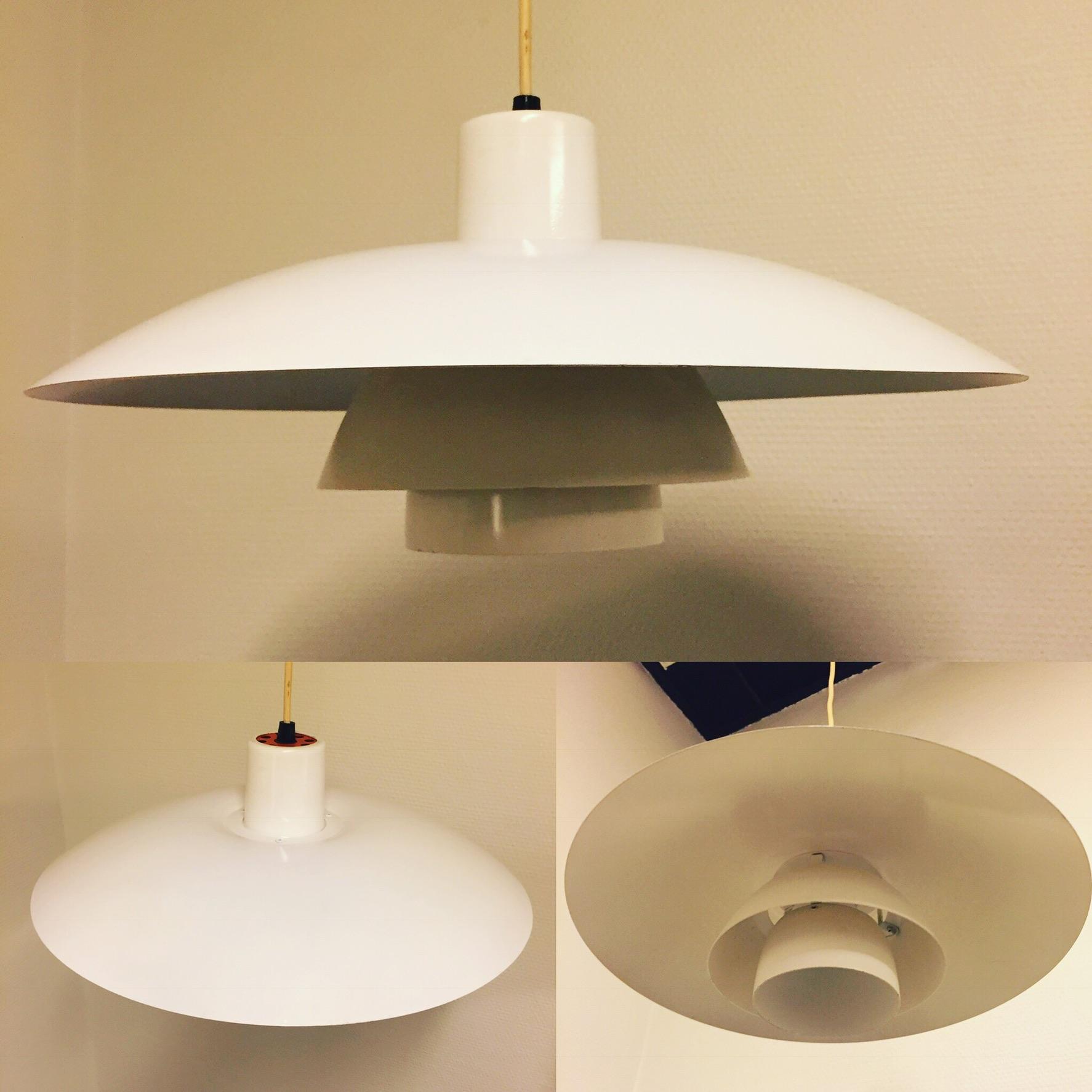 Hvid PH 4 Pendel Uden Skævheder Og Buler. Lampen Er Blevet Efterlakeret.  Kr. 750,
